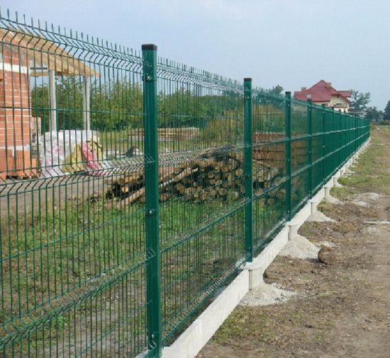 Pourquoi opter pour les clôtures en grillage rigide avec soubassement ?