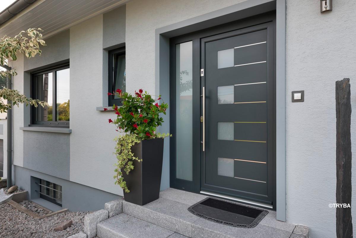 Des portes et des fenêtres en harmonie avec le style de la maison